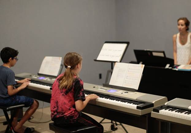 Group Piano Classes for Teens (Ages 12-15)